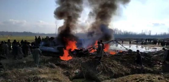 Indian Fighter Jets Crash: One In Pakistan Territory, Pilot 'Taken Alive'