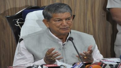 Photo of Rawat Briefs Sonia On Situation In Assam After NRC