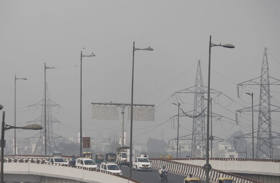 New Delhi's air pollution hits 'severe' category