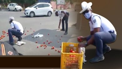 Photo of Watch: Commissionerate Police Traffic Cops Extend Helping Hands To Tomato Trader