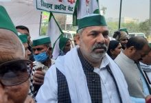 Photo of Emotional Tikait Refuses To Surrender, Alleges Conspiracy