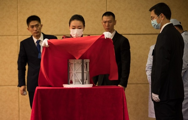Chang'e 5 samples handed over for research