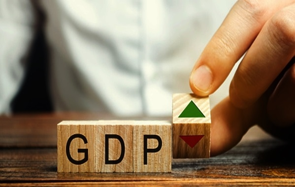 Indian economy likely to contract 7.7 pc in 2020-21