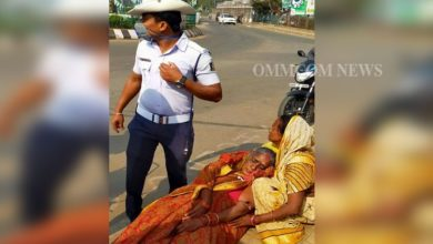 Photo of Cuttack City Traffic Cop Acts Promptly, Rushes Accident Victim To Hospital