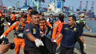 Photo of Indonesian Authorities Extend Search For Plane Crash Victims