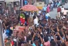 Photo of 5,000 People Receive Bowling Hero Natarajan, Take Him On Chariot
