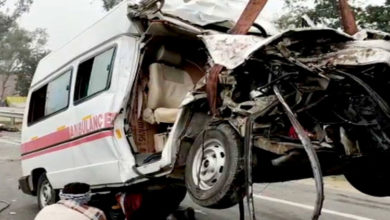 Photo of 5 Killed As Ambulance Rams Into Truck In UP
